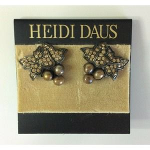 NWT Heidi Daus for Jim Walters Ladies Earrings